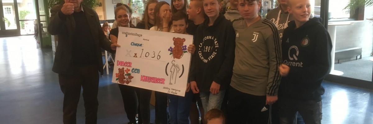 Wellantcollege Rijnsburg haalt meer dan 1000 knuffeldieren op voor kinderen in Kosovo