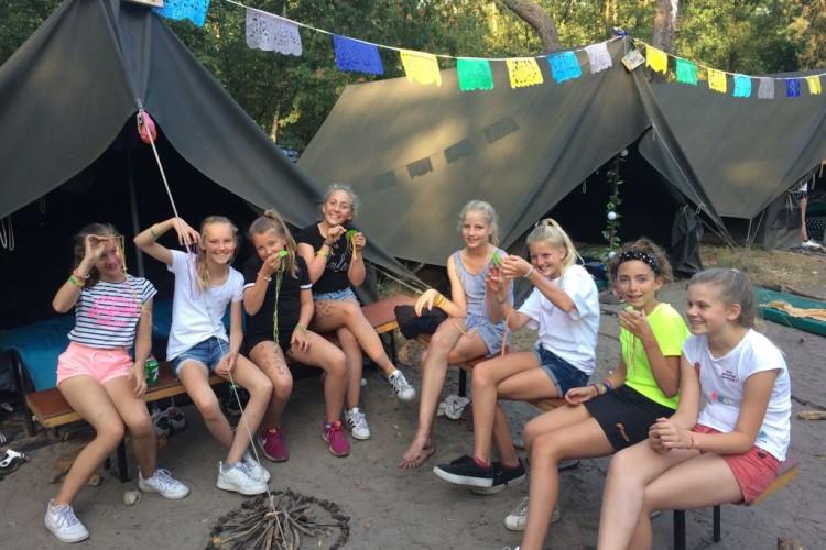 2018 LSD Kids voor de tent 2307
